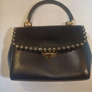 Michael Kors x-Small scallop edge purse